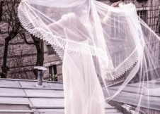 Long veil with lace